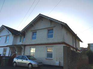 3 Bedrooms Flat for sale in Walton Road, Bognor Regis, West Sussex
