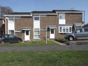 2 Bedrooms Terraced House for sale in Larches Way, Crawley Down, West Sussex