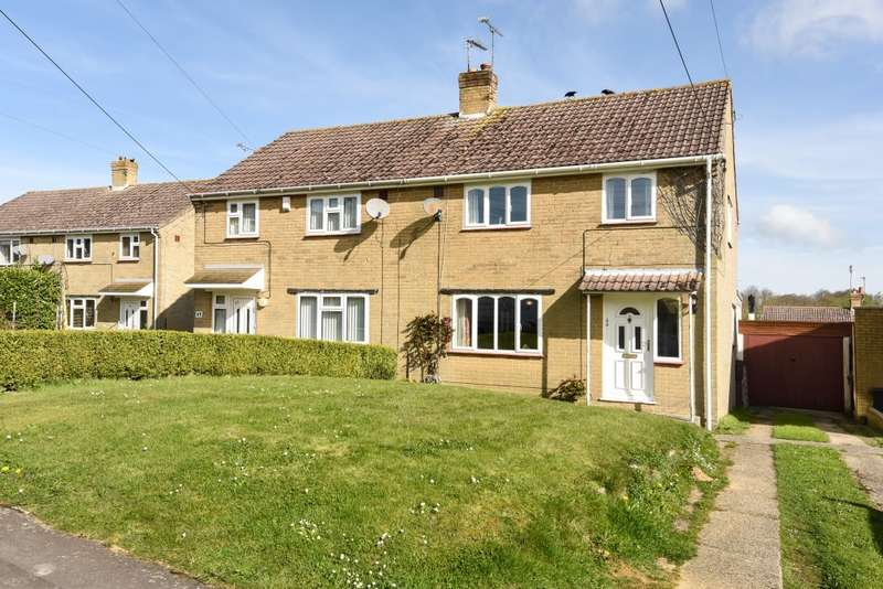 3 Bedrooms Semi Detached House for sale in Lakefields, West Coker