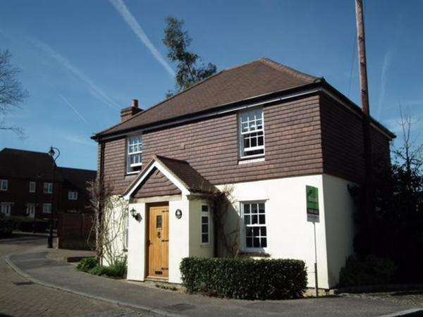 3 Bedrooms Detached House for sale in Upper Mill, East Malling, West Malling