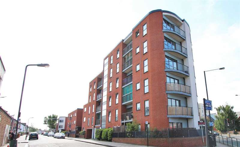 2 Bedrooms Apartment Flat for sale in Sunset House, Grant Road, Harrow