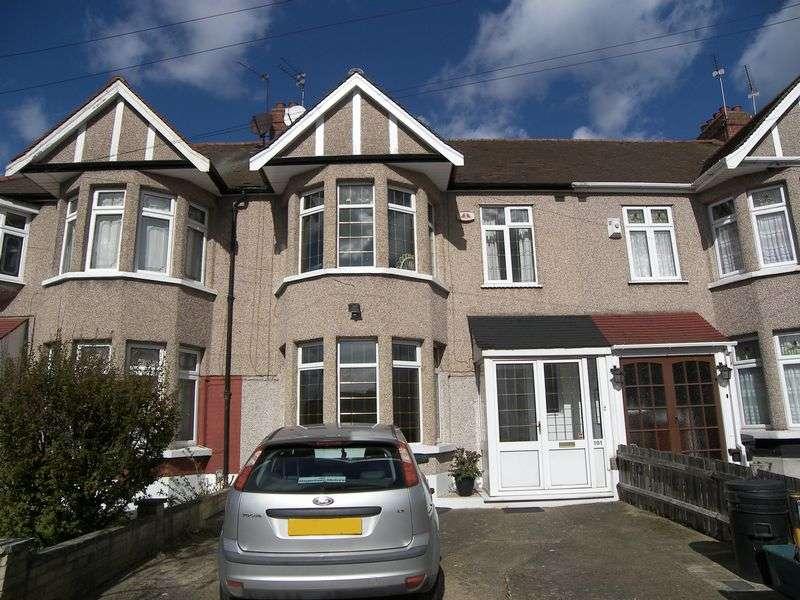 3 Bedrooms Terraced House for sale in GLENWOOD GARDENS GANTS HILL IG2