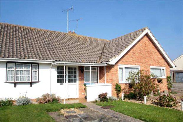 1 Bedroom Terraced Bungalow for sale in Swanbourne Road, Littlehampton, West Sussex, BN17