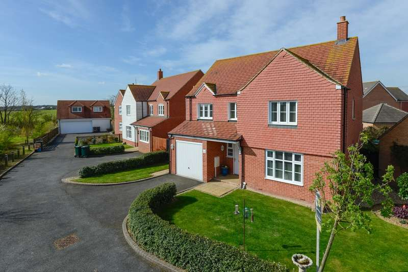 4 Bedrooms Detached House for sale in Southdown Close, Bridgefield, Ashford, TN25