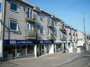 1 Bedroom Flat for sale in Chaldon Road, Caterham, Surrey