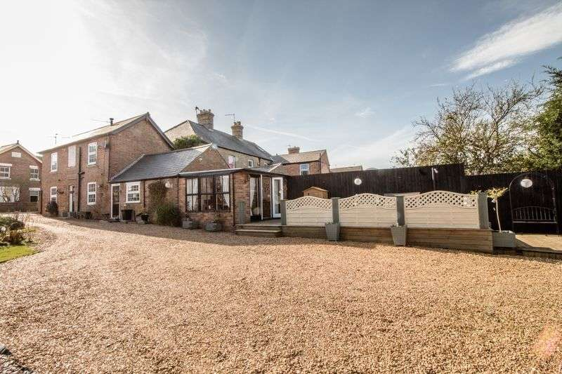 3 Bedrooms Detached House for sale in Blenheim Road, Ramsey, Huntingdon, Cambridgeshire.