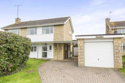 3 Bedrooms Detached House for sale in The Hyde, Winchcombe, Cheltenham, Gloucestershire