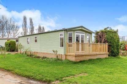 2 Bedrooms Mobile Home for sale in Goose Walk, Billing Aquadrome, Little Billing, Northampton