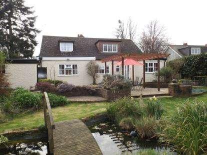 4 Bedrooms Detached House for sale in Dibden Purlieu, Southampton, Hampshire