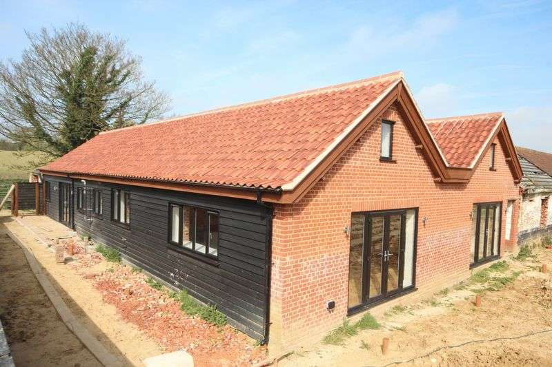 4 Bedrooms Detached Bungalow for sale in Church Lane, Claxton, Norfolk