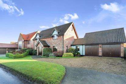 4 Bedrooms Detached House for sale in Great Ellingham, Norwich, Norfolk