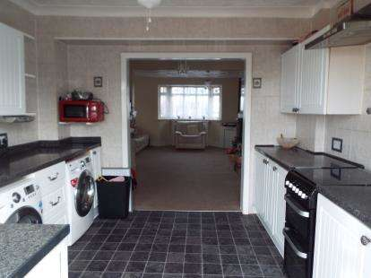 4 Bedrooms Semi Detached House for sale in Purfleet, Essex