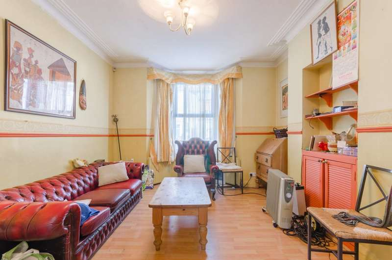 3 Bedrooms End Of Terrace House for sale in Woodhouse Road, Leytonstone, E11