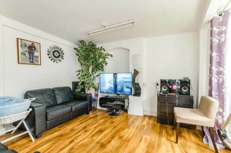 1 Bedroom Flat for sale in Studley Road, Forest Gate, E7