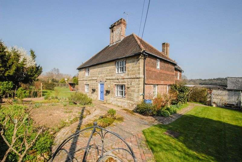 4 Bedrooms Detached House for sale in Fox Hill, Haywards Heath