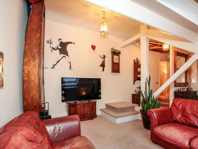 3 Bedrooms Flat for sale in Ladies Walk Brewery, Workington, CA14