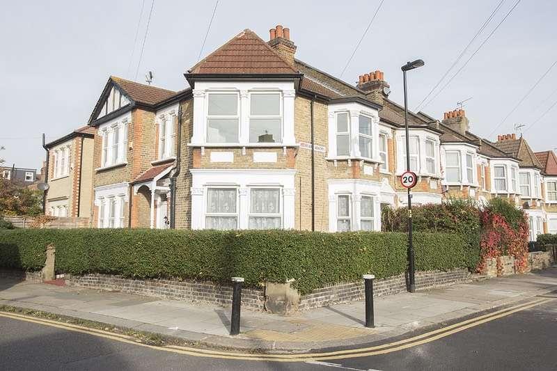 2 Bedrooms Maisonette Flat for sale in Boundary Road, London, London, N22