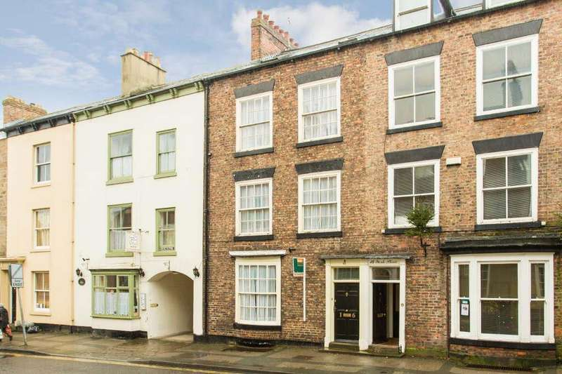 5 Bedrooms Terraced House for sale in York Place, Knaresborough