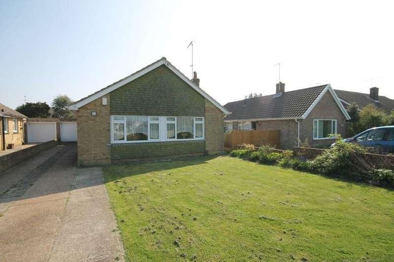 3 Bedrooms Detached Bungalow for sale in Windermere Crescent, Goring, Worthing BN12 6JY