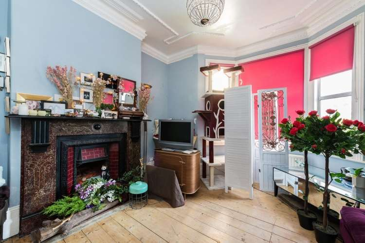 1 Bedroom Flat for sale in Samuel Street Woolwich SE18