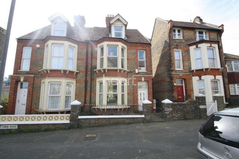 5 Bedrooms Semi Detached House for sale in Victoria Road, Ramsgate, CT11