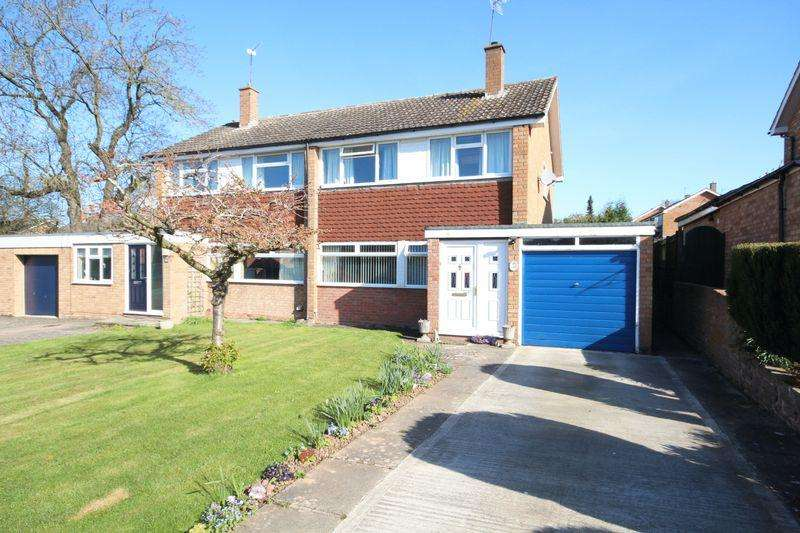 3 Bedrooms Semi Detached House for sale in HOLMER