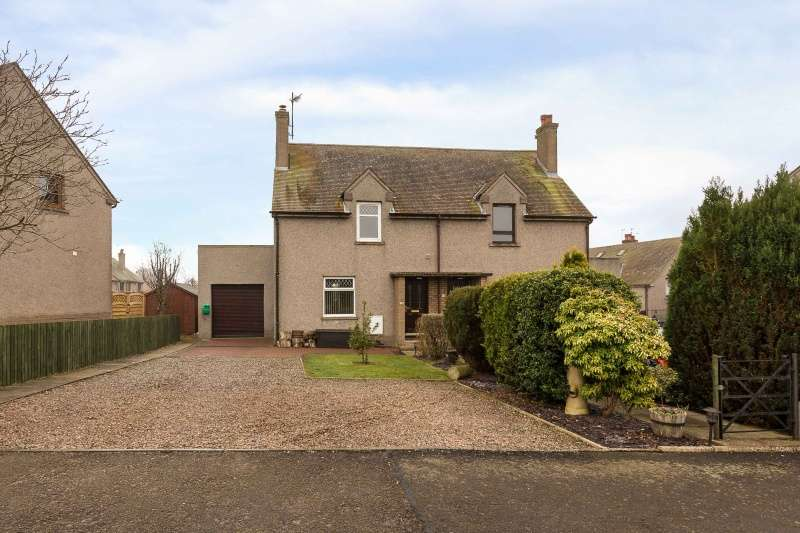 2 Bedrooms Semi Detached House for sale in Inverarity Crescent, Hillside, Montrose, DD10 9HS