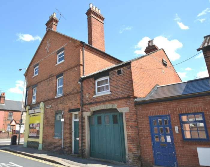 5 Bedrooms Retail Property (high Street) Commercial for sale in Oxford Road, Reading
