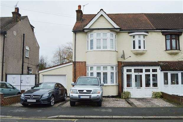 4 Bedrooms Semi Detached House for sale in Linden Street, ROMFORD, RM7 7DP
