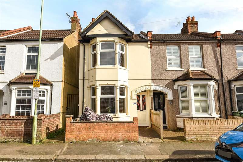 3 Bedrooms Terraced House for sale in Euston Avenue, Watford, Hertfordshire, WD18