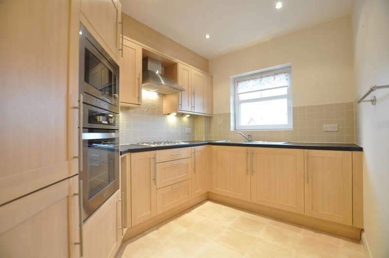 1 Bedroom Apartment Flat for sale in St Georges Road, St Annes, Lancashire, FY8 2AW