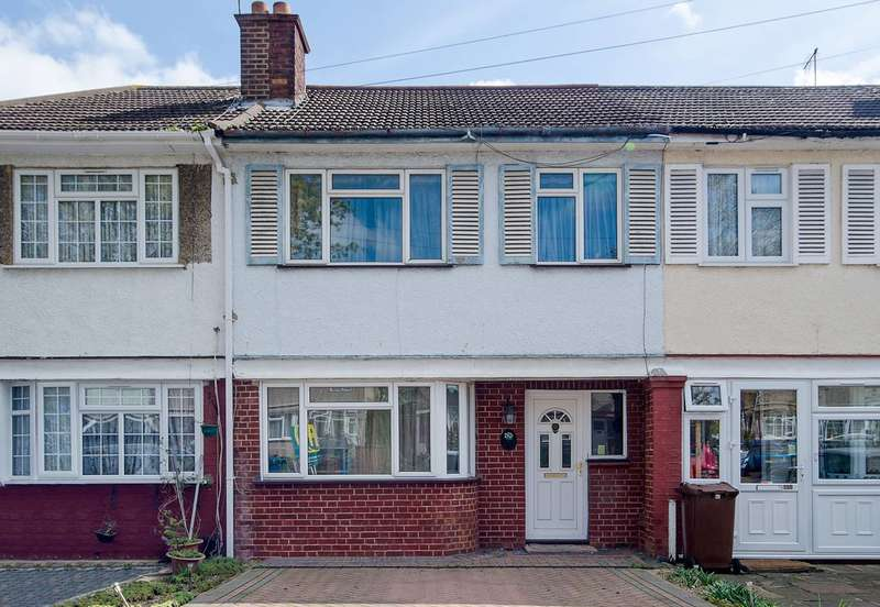 4 Bedrooms House for sale in Waverley Road, Rayners Lane, HA2
