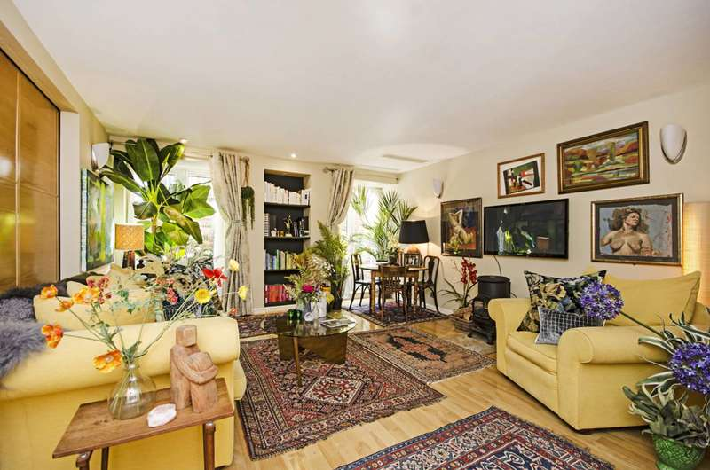 1 Bedroom Flat for sale in West Heath Road, Hampstead, NW3