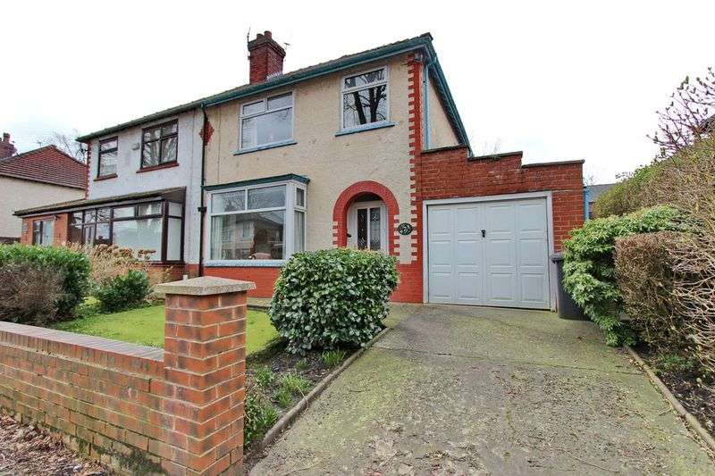 3 Bedrooms Semi Detached House for sale in Spencer Avenue, Whitefield, Manchester