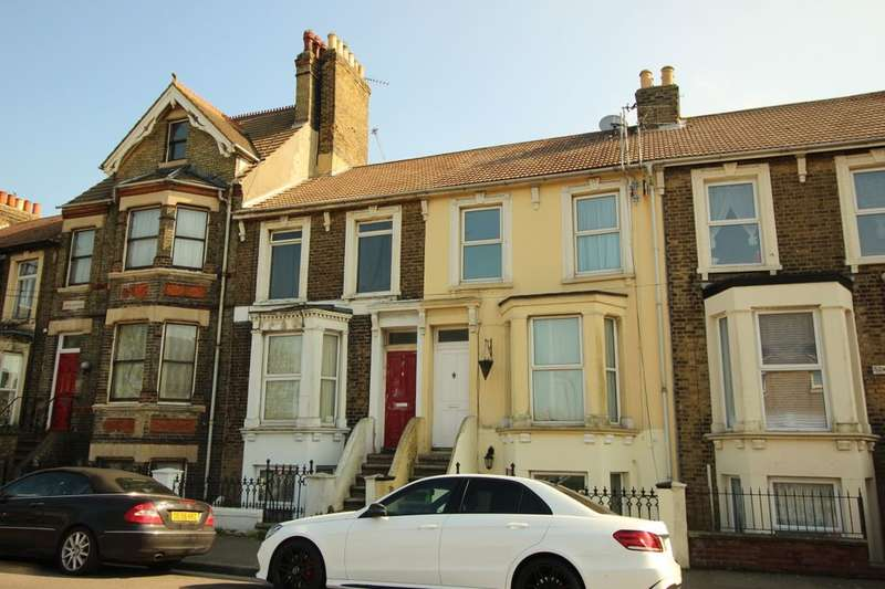 3 Bedrooms Property for sale in Broadway, Sheerness, ME12