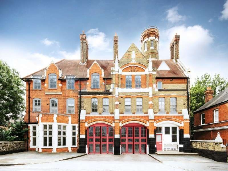 2 Bedrooms Flat for sale in Sunbury Street, Woolwich SE18
