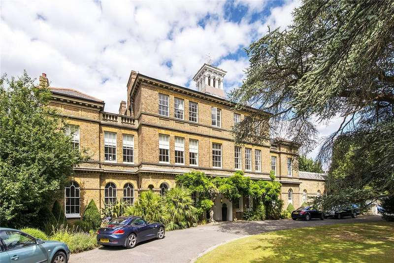 2 Bedrooms Flat for sale in South Lodge, 61 Ham Common, Richmond, Surrey, TW10