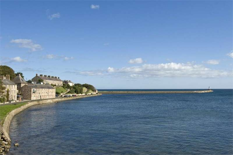 3 Bedrooms Town House for sale in 3 Pier Maltings, Pier Road, BERWICK-UPON-TWEED, Northumberland