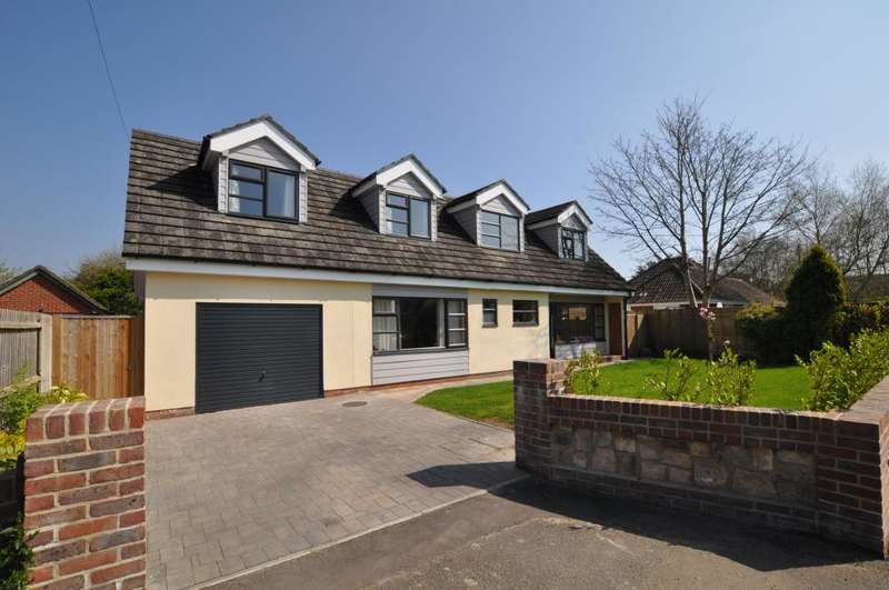 4 Bedrooms Detached House for sale in Parsonage Barn Lane, Ringwood, BH24 1PU