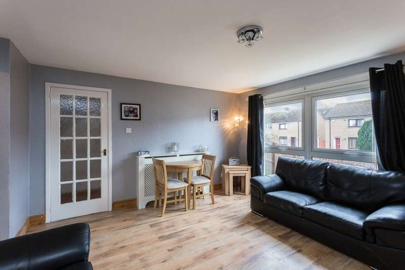 2 Bedrooms Terraced House for sale in Catterline Crescent, Dundee, Angus, DD3 9RW