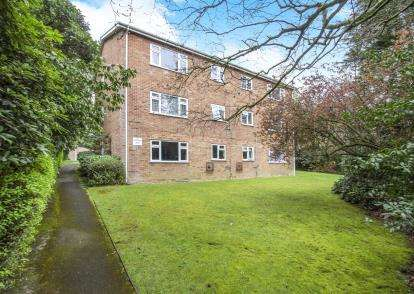 2 Bedrooms Flat for sale in 15 Wimborne Road, Bournemouth, Dorset