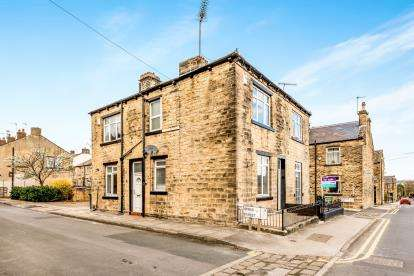 2 Bedrooms Semi Detached House for sale in Irwin Street, Farsley, Pudsey, West Yorkshire