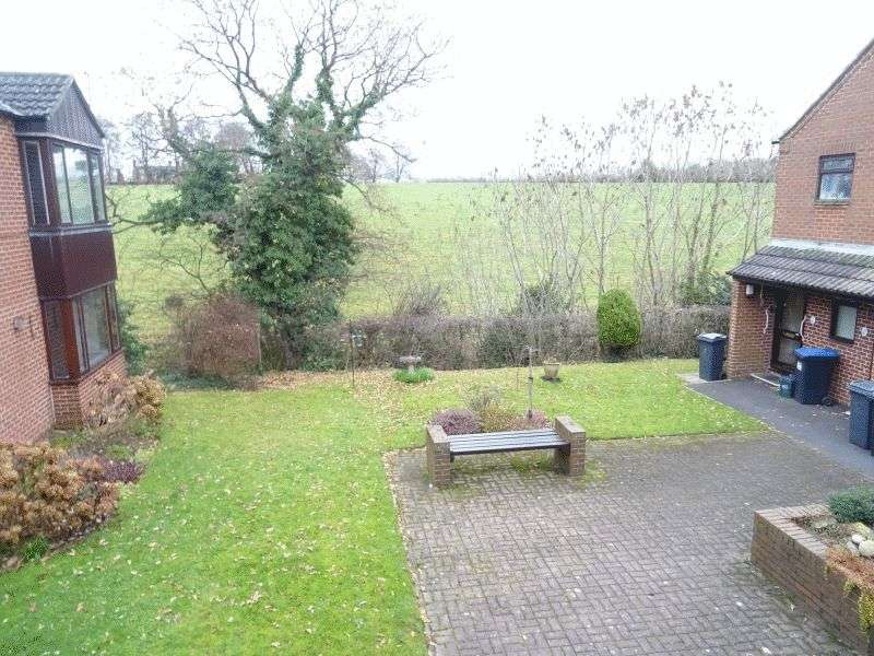 1 Bedroom Flat for sale in Wyaston Gardens, Ashbourne