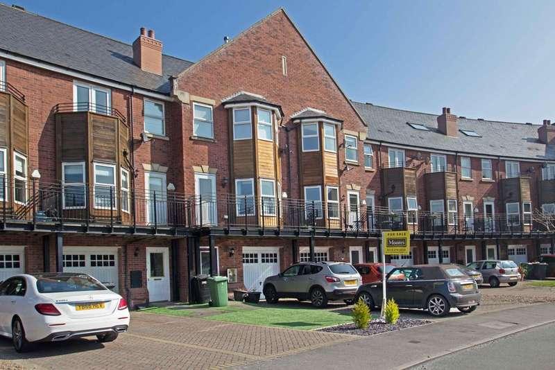 4 Bedrooms Terraced House for sale in Huntington Crescent, Far Headingley, Leeds 16