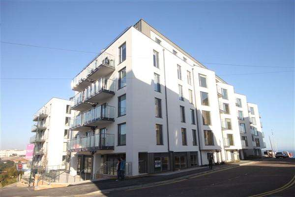 3 Bedrooms Apartment Flat for rent in Priory Road, Bournemouth