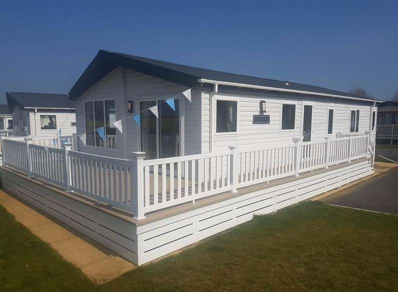 3 Bedrooms Park Home Mobile Home for sale in Lodge At Lower Hyde