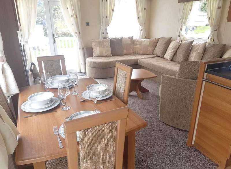 2 Bedrooms Mobile Home for sale in Caravan At Lower Hyde
