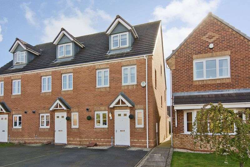 3 Bedrooms House for sale in Strauss Drive, Heath Hayes, Cannock