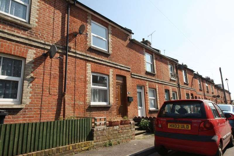2 Bedrooms Terraced House for sale in Victoria Road, Blandford Forum.