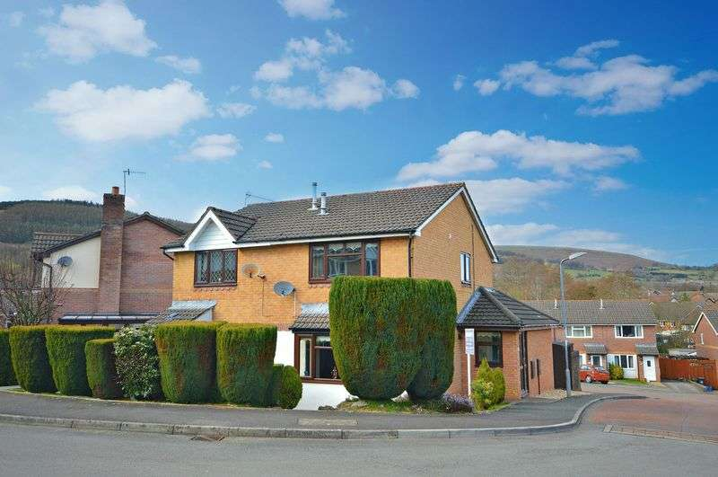 2 Bedrooms Semi Detached House for sale in Pant Yr Heol Close, Henllys Cwmbran